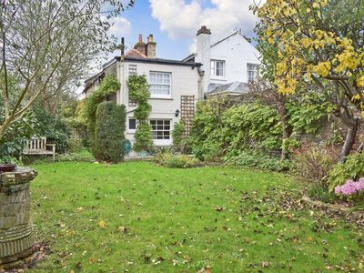 Photo for Grove Cottage -  a cottage that sleeps 4 guests  in 2 bedrooms