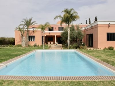 Photo for Villa 5 bedrooms private pool Park 1 Ha 15 min. center of Marrakech