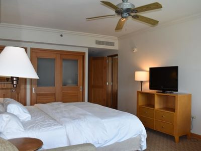 Photo for Master w lagoon & city views 3 guests (H22)