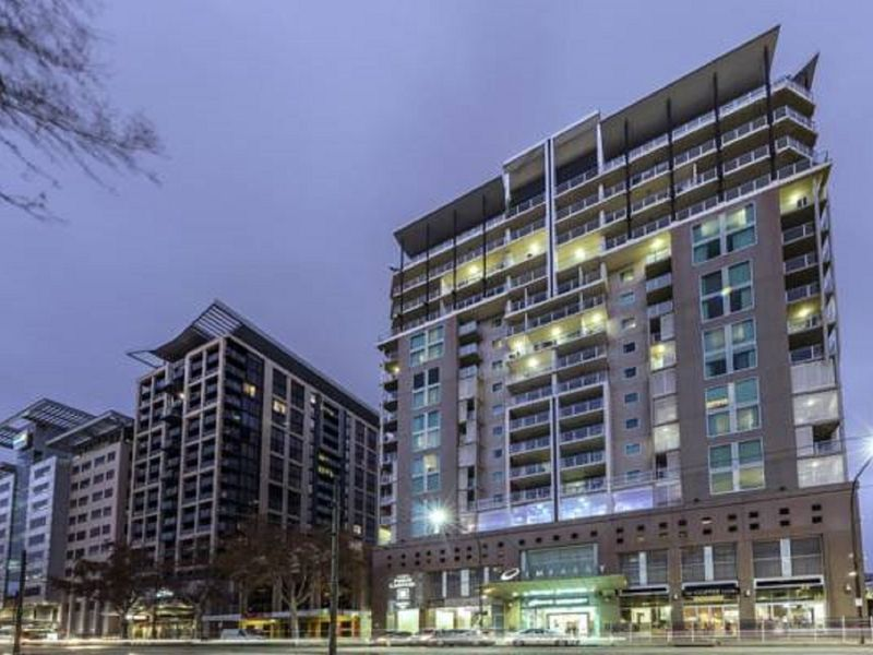 Adelaide penthouse 96 north terrace adelaide south for 21 south terrace adelaide