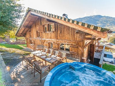 Photo for Luxury chalet in Samoens centre. 5/6 bedrooms. Jacuzzi. Stunning views. WiFi