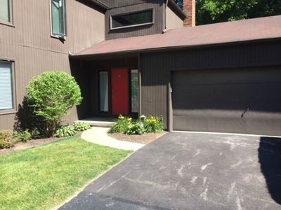 Photo for 3 bed 2 1/2 bath townhouse totally redone 2 car garage 5 min to dwntwn Cleveland