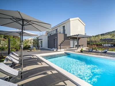 Photo for This 3-bedroom villa for up to 8 guests is located in Zadar and has a private swimming pool, air-con