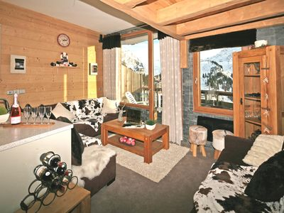 Photo for Super Deluxe ski-in:ski-out chalet with private hot-tub and sauna