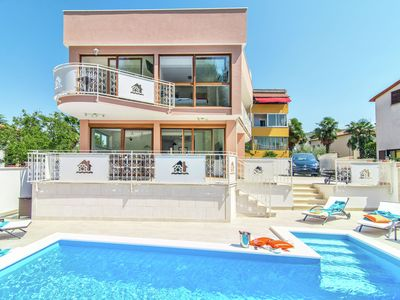 Photo for Modern villa with private pool and jacuzzi, center and beach within walking distance