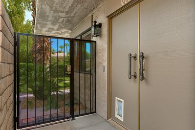 Gated entry with secure keyless locks