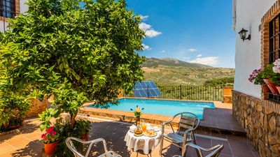 Photo for Picturesque Andalusian-style holiday villa for 15 people near Antequera
