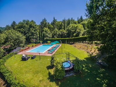 Photo for Villa for 10 People with pool in the Heart of Tuscany