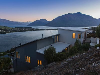 Photo for Remarkable Lookout - amazing location boasting gorgeous views over Lake Wakatipu