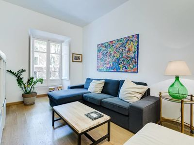Photo for Cosy and stylish 2 bed/1 bath flat next to Vatican