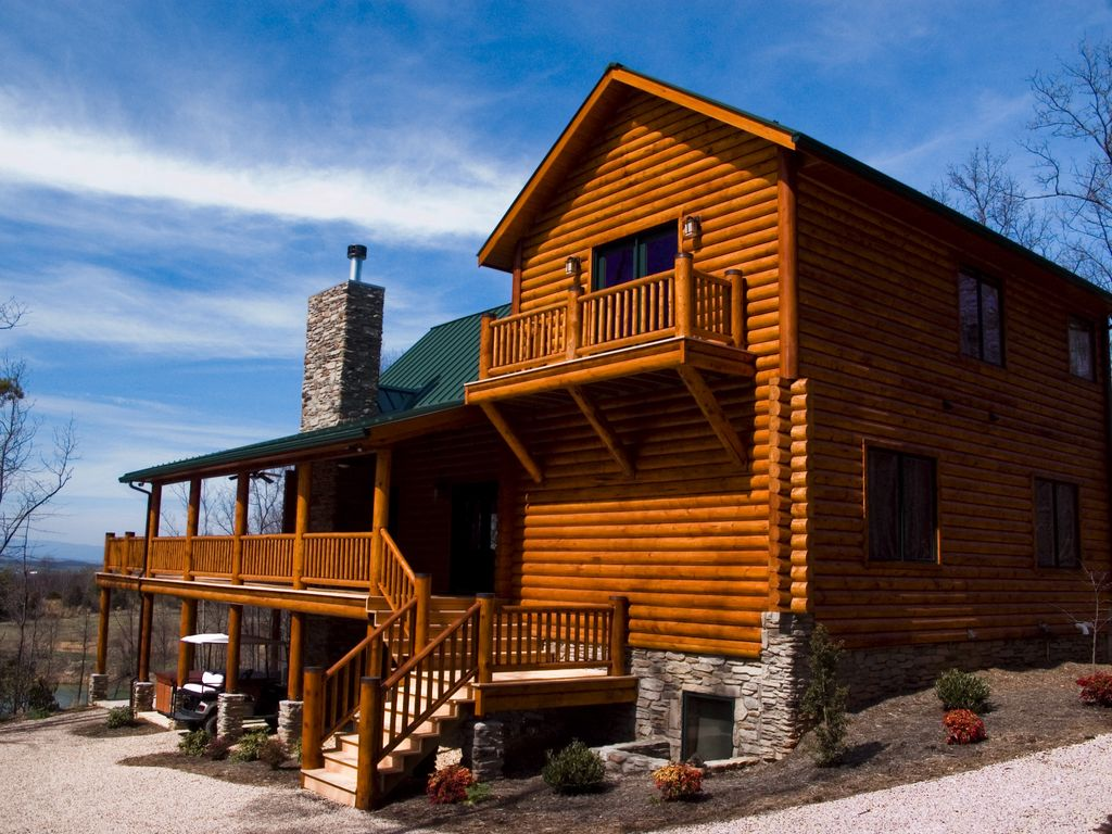 Expansive mountain views private lakes pl homeaway for Charlottesville cabin rentals hot tub