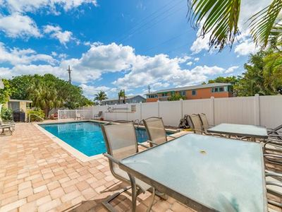 Photo for Anna Maria Island condo with heated pool, short walk from the beach.