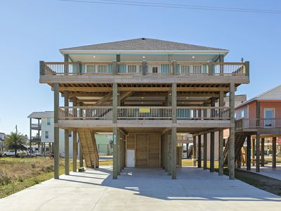 Photo for Stunning new construction with mezzanine deck - located in quiet subdivision - The Flight Deck