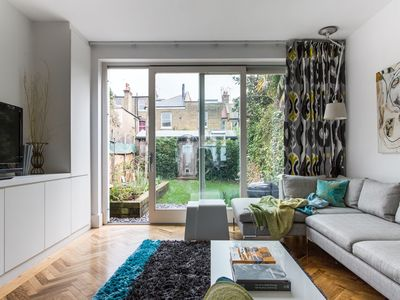 Photo for Wallingford Avenue V by onefinestay
