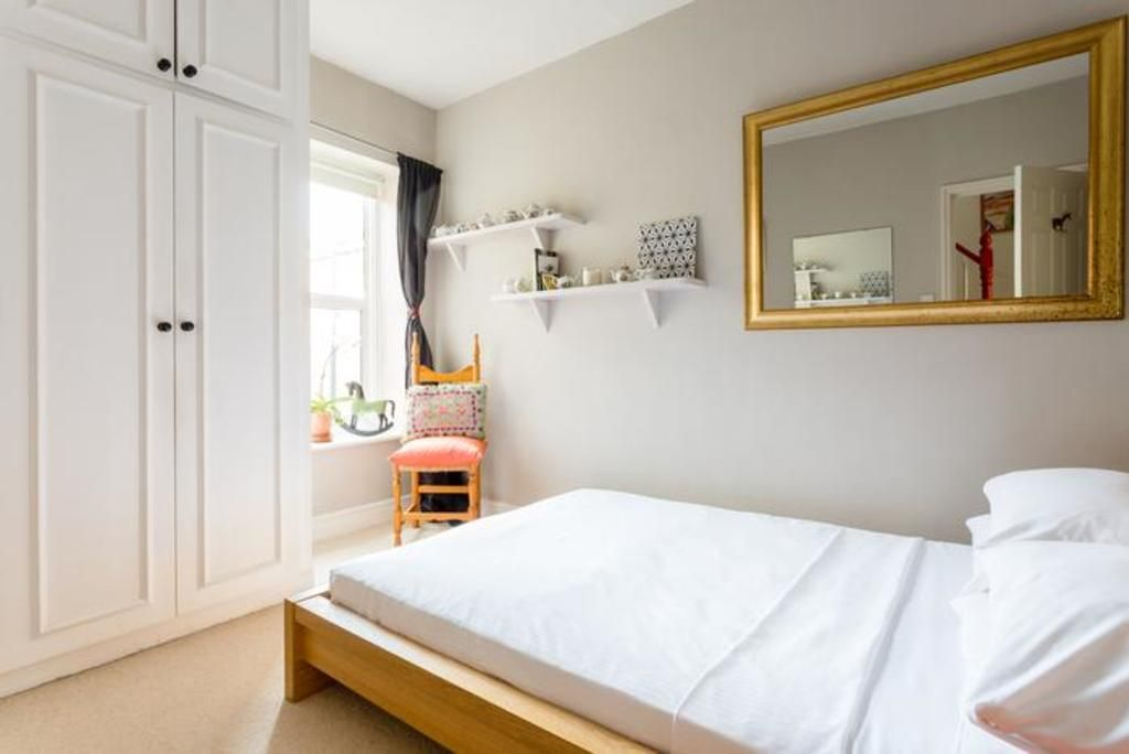 London Home 424, Beautiful 5 Star Holiday Home in a Prime Location in London - Studio Villa, Sleeps 4