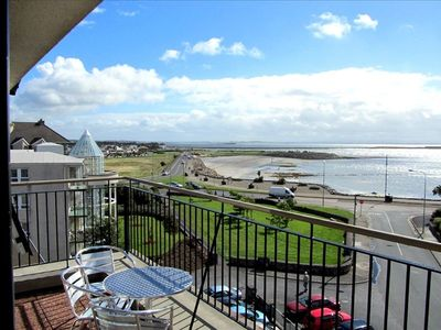 4-Star Holiday Home Seaside Location on Galway Bay Near City