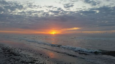 Photo for 1 bedroom suite ocean front, Feb 9 - 16 in Daytona FL