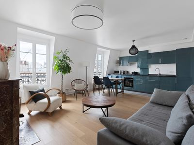 Photo for Modern and Bright 1 Bedroom Flat