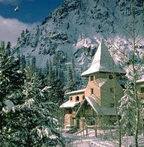 Base of Squaw Valley, Walk to Lifts & Village, Great Amenities