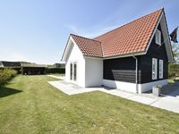 Well presented, modern house with access to great facilities for families