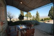Lovely property with beautiful views to rent near Siena