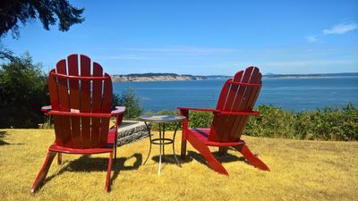 Photo for ***WATERFRONT*** Cute cottage, AMAZING VIEWS, walk to Long Point Beach