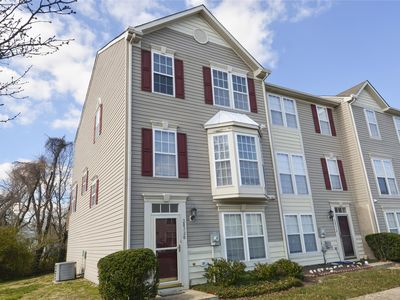 Photo for FREE DAILY ACTIVITIES! Three bedroom, 3.5 bath townhouse in Southhampton.  Sleeps 8