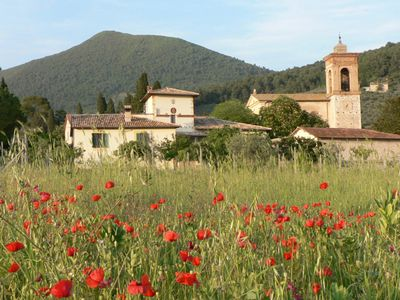 Photo for Independent Home With Garden And Walled Courtyard In Spoleto's Countryside