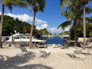 Sunset Cove, Key Largo, FL, USA