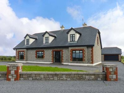 Photo for CLOONACASTLE COTTAGE in Ballinrobe, County Mayo, Ref 928333
