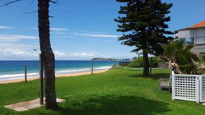 Spacious Absolute Beachfront 2BR Apartment - Your own slice of paradise (A3)