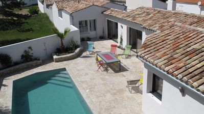 Photo for House La Couarde: Villa standing pool 10p ideally located near the sea