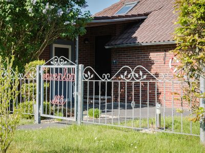 Photo for Cottage for 4 people in Wangerland with dog (quiet location)
