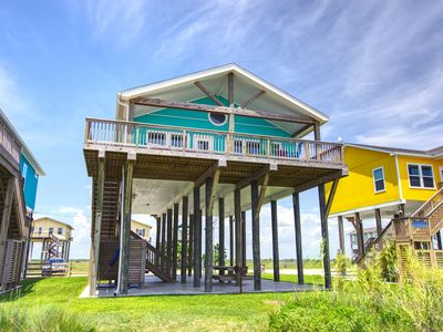 Photo for SunDaze New Beachfront home! 3 BR 2 BTH , gourmet kitchen and Panoramic ocean view