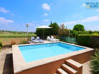 Nice and quiet area, with own plantation and swimming pool - fantastic covered terrace