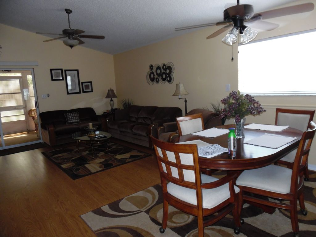 Leesburg Florida Vacation Rentals By Owner From 63 Byowner Com