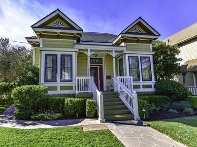 Photo for On The Vine - 4BR/2.5BA Downtown Paso Victorian