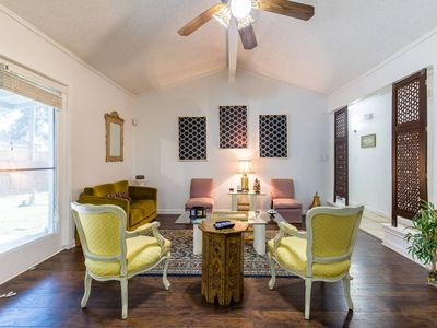 Photo for Oasis near DFW airport with Mediterranean setting