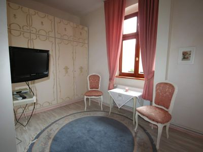 Photo for Double Room Rose - COUR DE BERLIN
