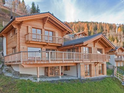 Photo for Chalet La Couronne - 5 en-suite bedrooms, jacuzzi, ski-in & ski-out, resort centre