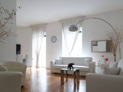 Photo for Exclusive 3 bedrooms apartment near Duomo