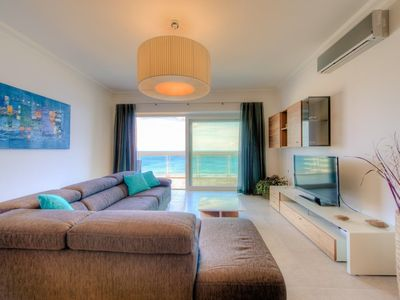 Photo for Seafront Luxury APT With Pool