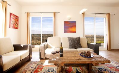 Seascape - living with views