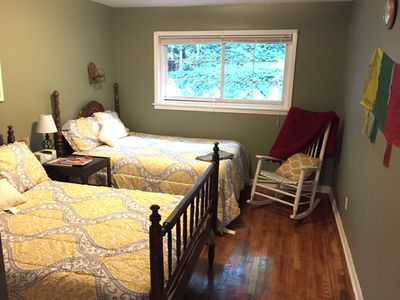 Tree-Lined Private Decatur House, full kitchen, laundry, patio, hardwoods SAFE!