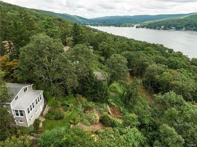 Photo for Spectacular Lake Views from every room (1hr NYC)