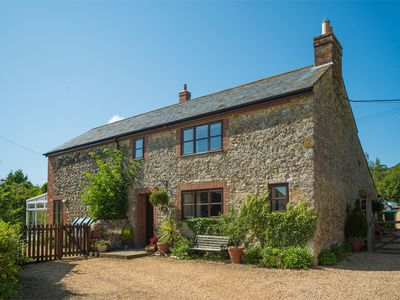 Photo for 3 bedroom Cottage in Carisbrooke - IC037