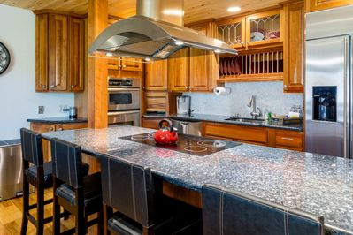 Beautifully renovated and fully equipped kitchen