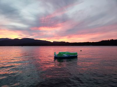 Pristine Sproat Lake Waterfront Home: Fall Dates Available