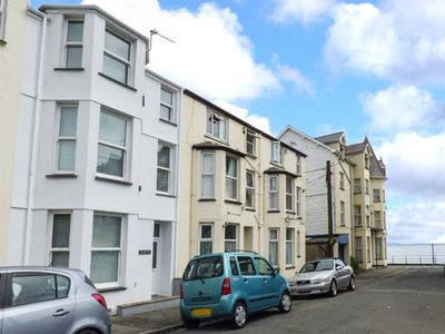 Photo for Y CASTELL APARTMENT 1, romantic in Criccieth, Ref 926578