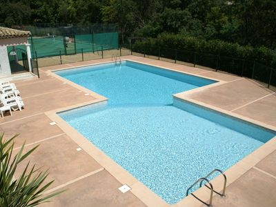 Photo for Cozy Holiday Home in Sainte-Maxime with Swimming Pool